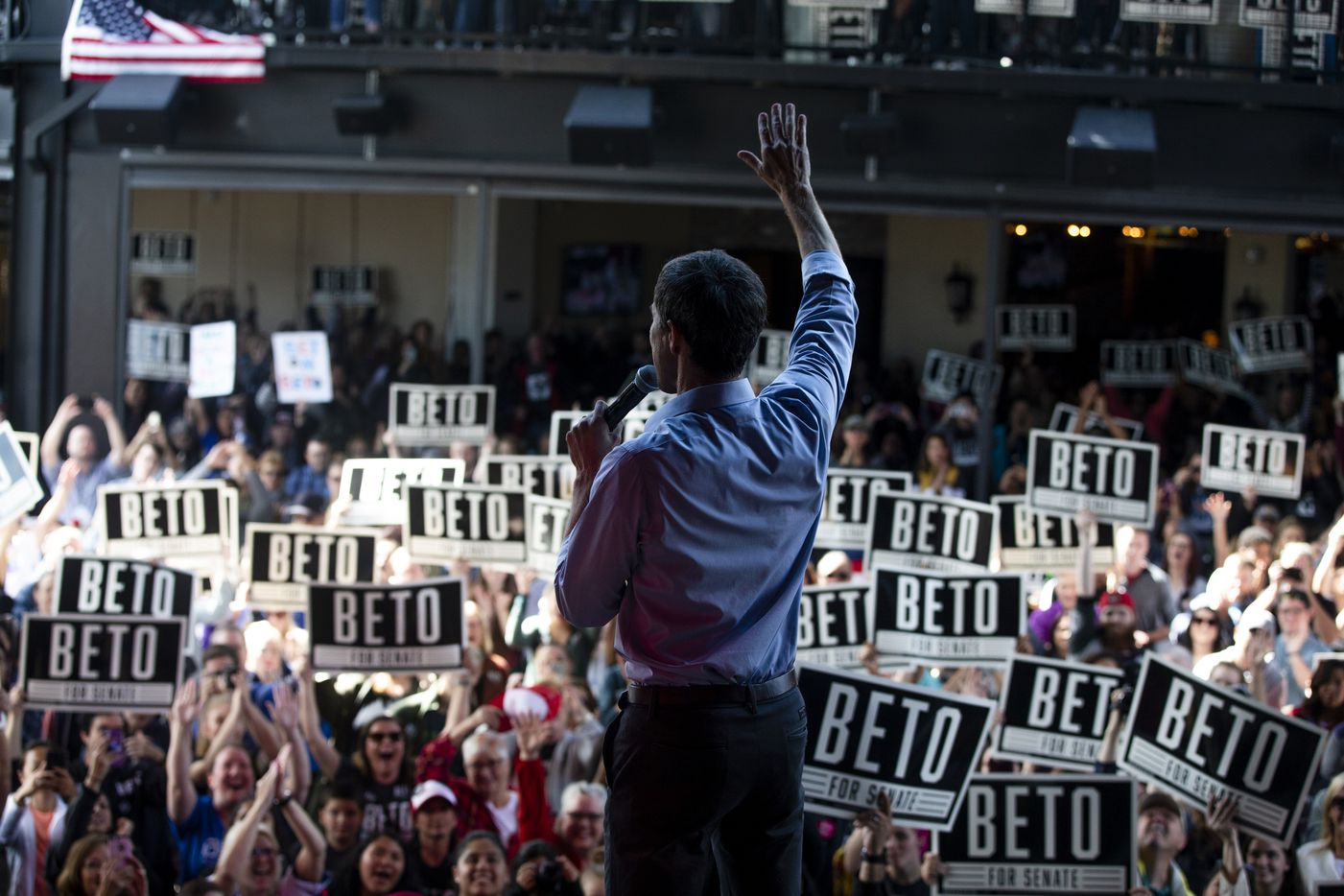 Congressman Beto O'Rourke campaigns at Lava Cantina in The Colony on Oct. 20, 2018.