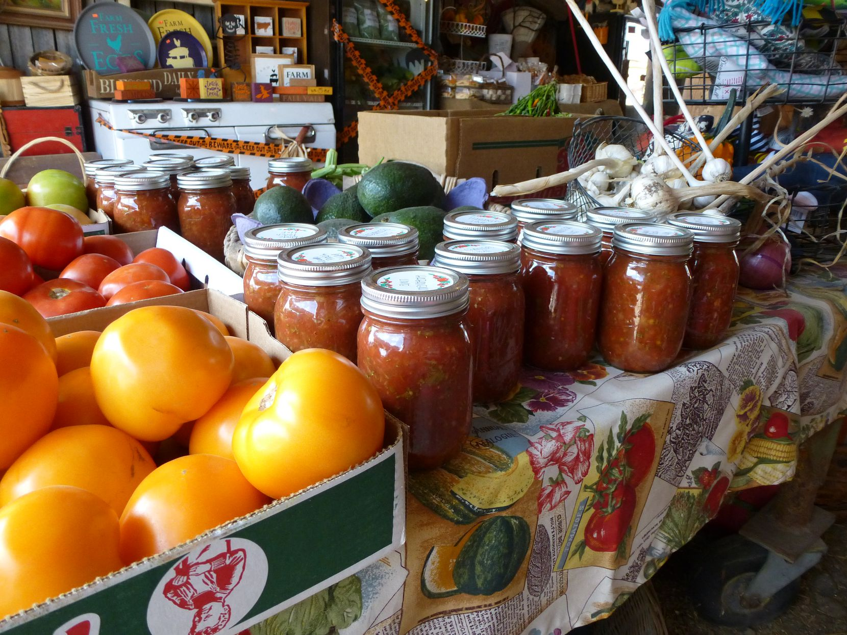"""Lola's Local Market in Melissa mixes up local and """"imported"""" produce, such as avocados and Tennessee tomatoes and house-made salsa."""