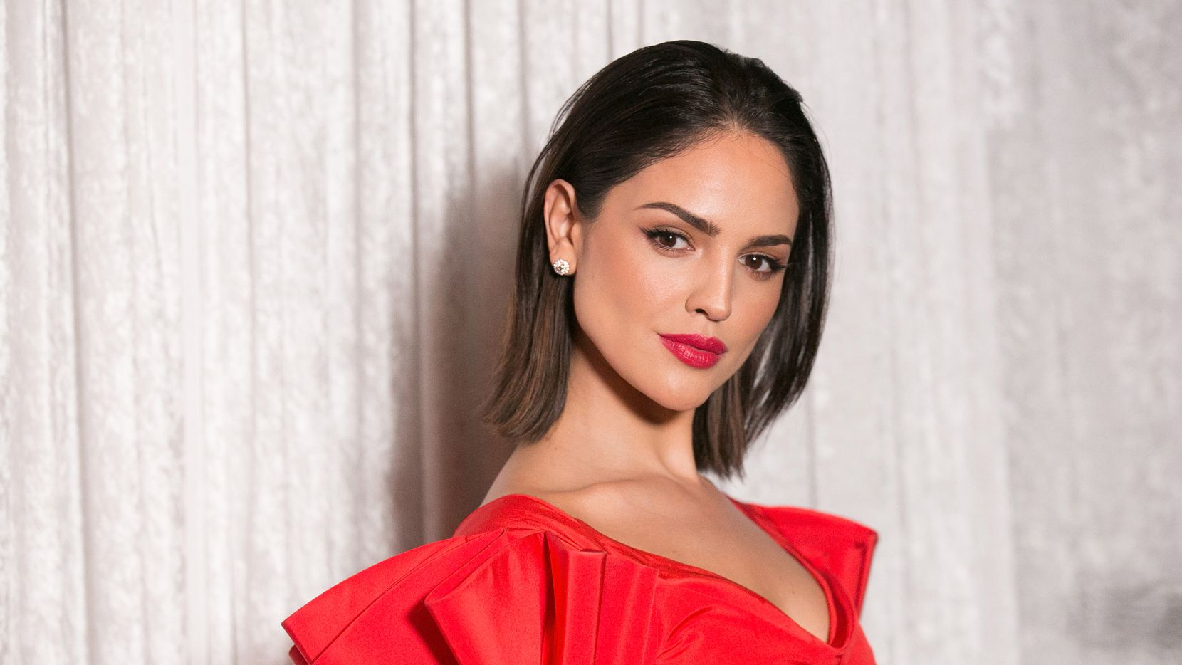 La actriz Eiza Gonzalez asistió a la cena de gala de The Fred Hollows Foundation, el 15 de noviembre de 2017, en Hollywood, California.