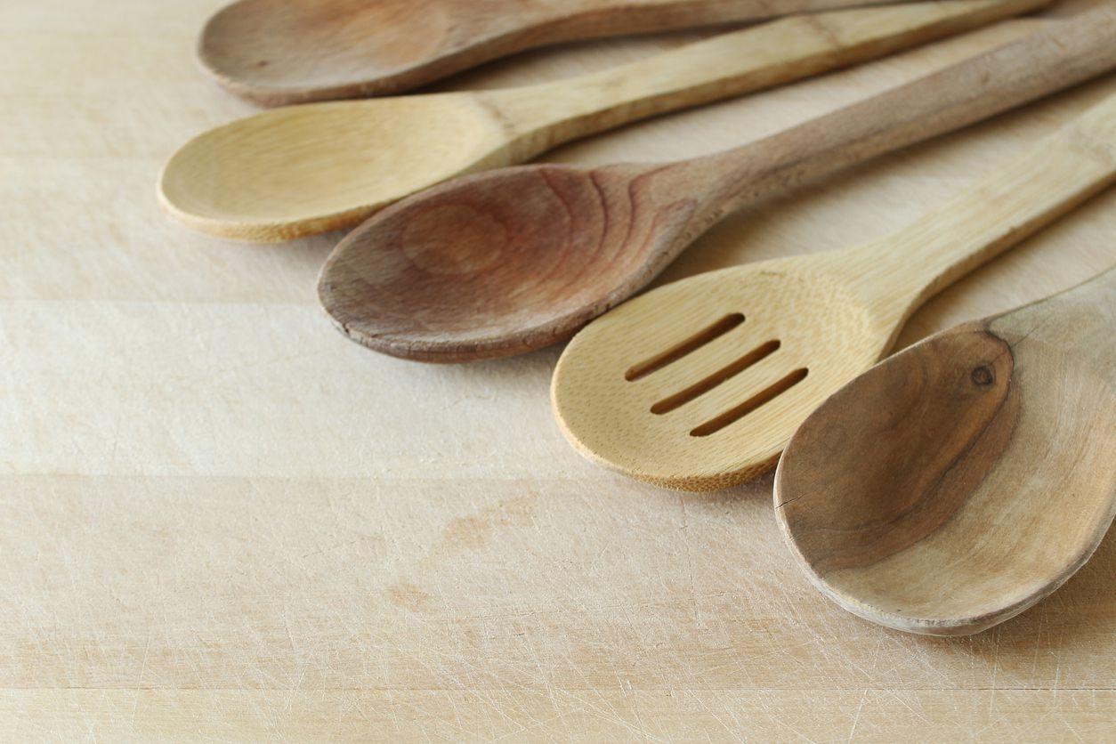 Las cucharas comenzaron a ser elaboradas en un principio con conchas y cáscaras.