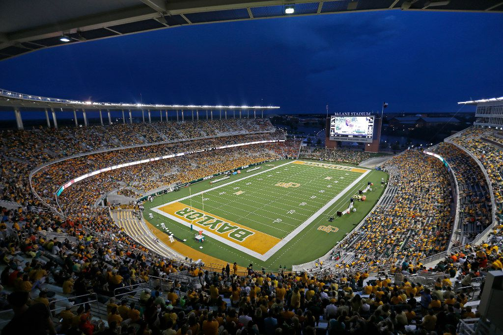 The field is cleared due to a lighting delay between the Baylor vs. Oklahoma State game at McLane Stadium in Waco, Texas, Saturday, Sept. 24, 2016. (Jae S. Lee/The Dallas Morning News)