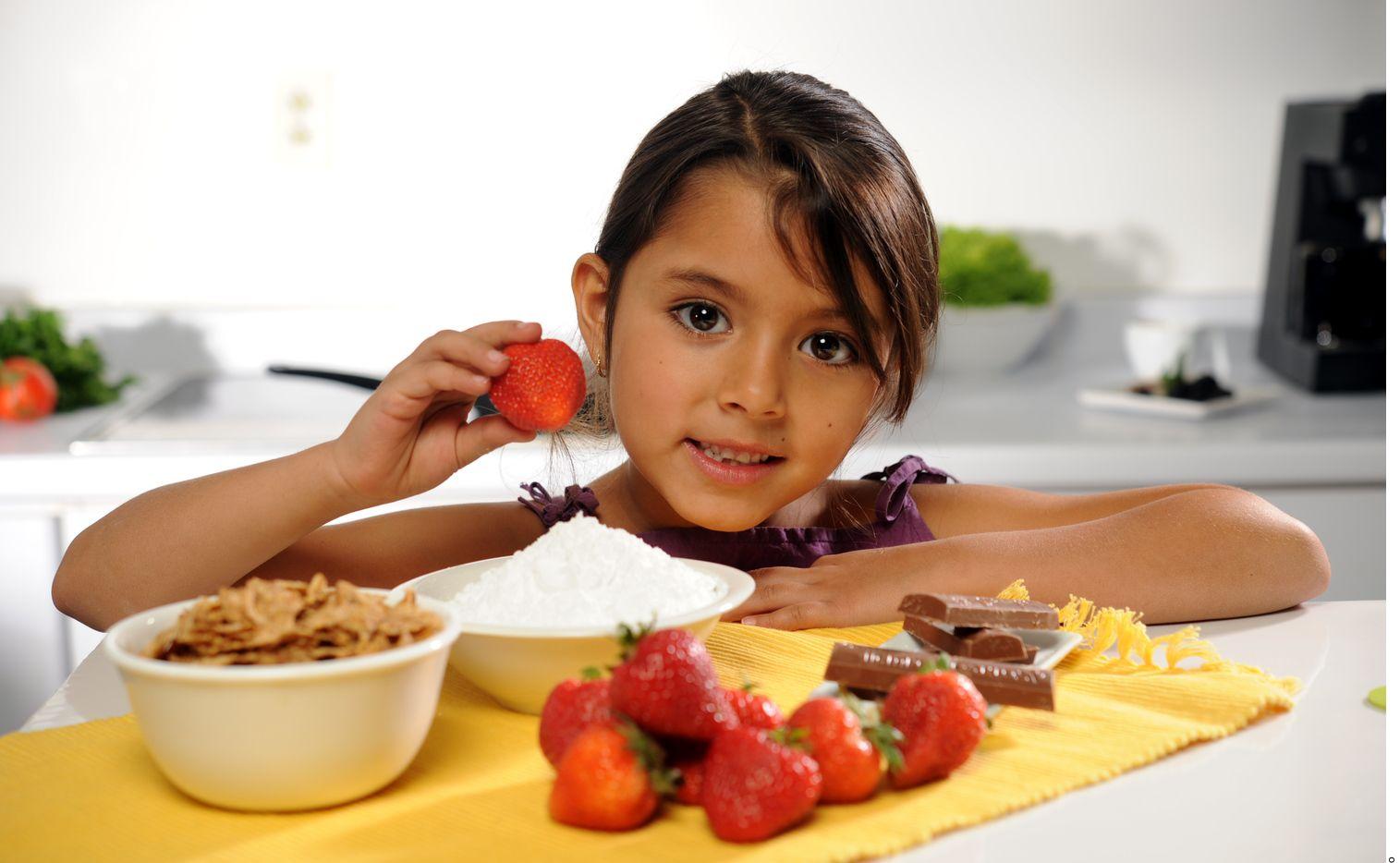 Además de la capacidad de atención y aprendizaje, el desayuno también es determinante para abatir el sobrepeso y obesidad infantil. AGENCIA REFORMA