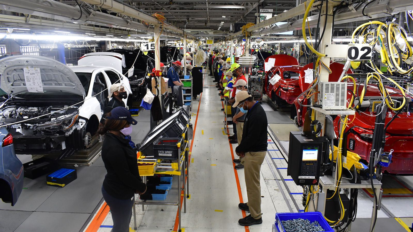 In Toyota factories around North America, production line workers paused for 8 minutes and 46 seconds in silence in honor of the memory of George Floyd, who was killed by a police officer in Minneapolis.