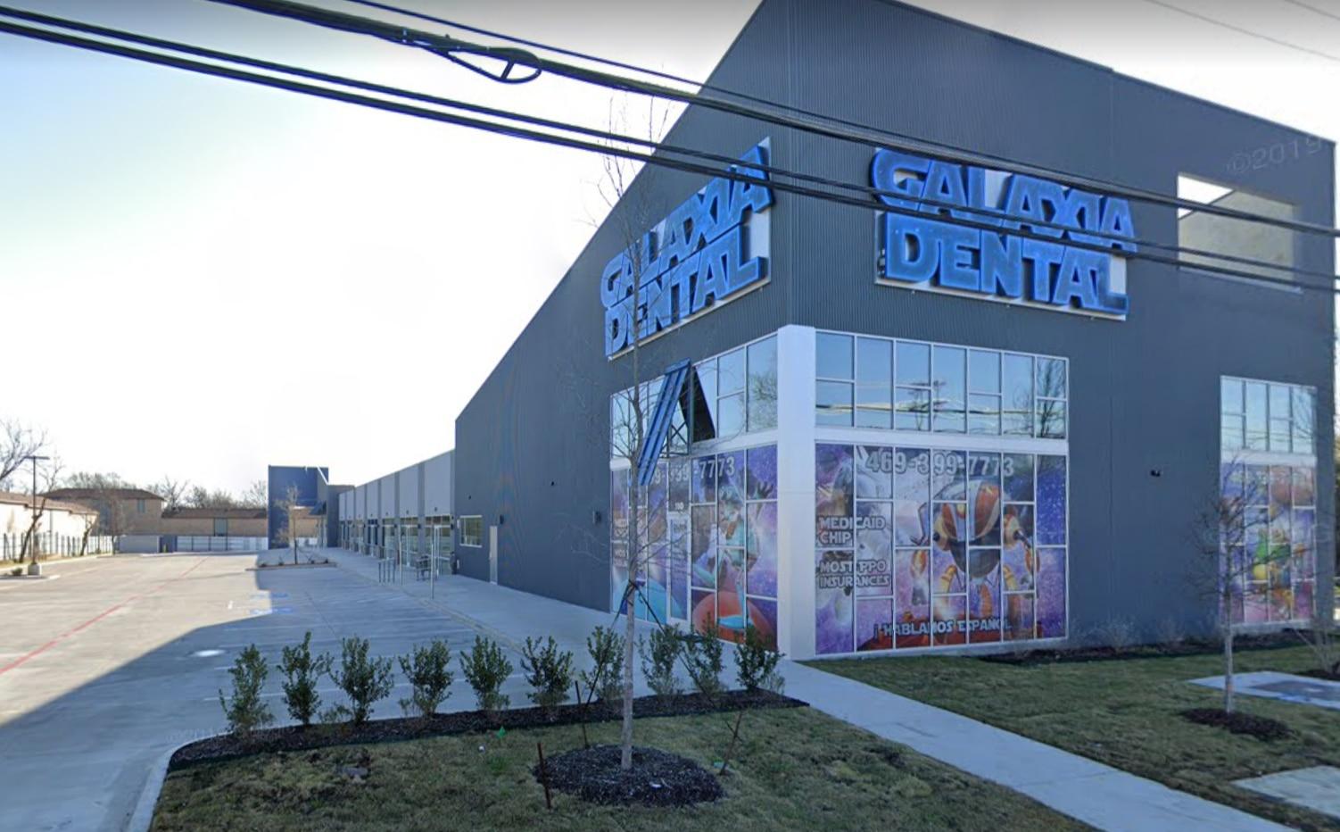 Roban oficina dental en Pleasant Grove.