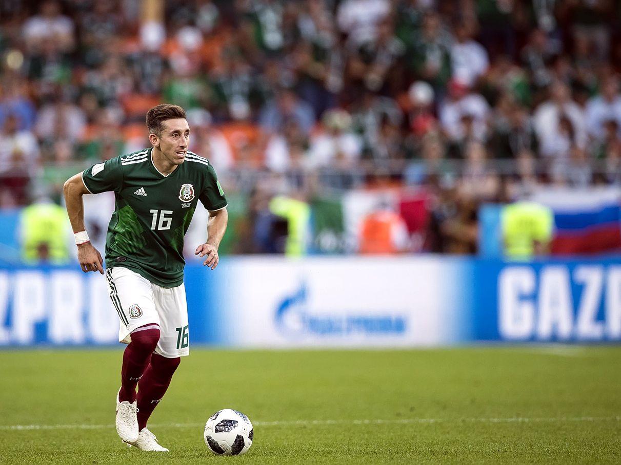 El mediocampista del Atlético de Madrid y la selección mexicana, Héctor Herrera, dio positivo a covid-19.