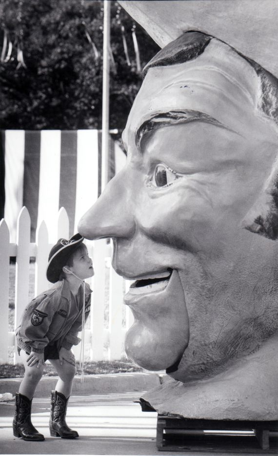 Sept. 28, 1992: Joel Edgar, 4, gets a face-to-face look at Big Tex.