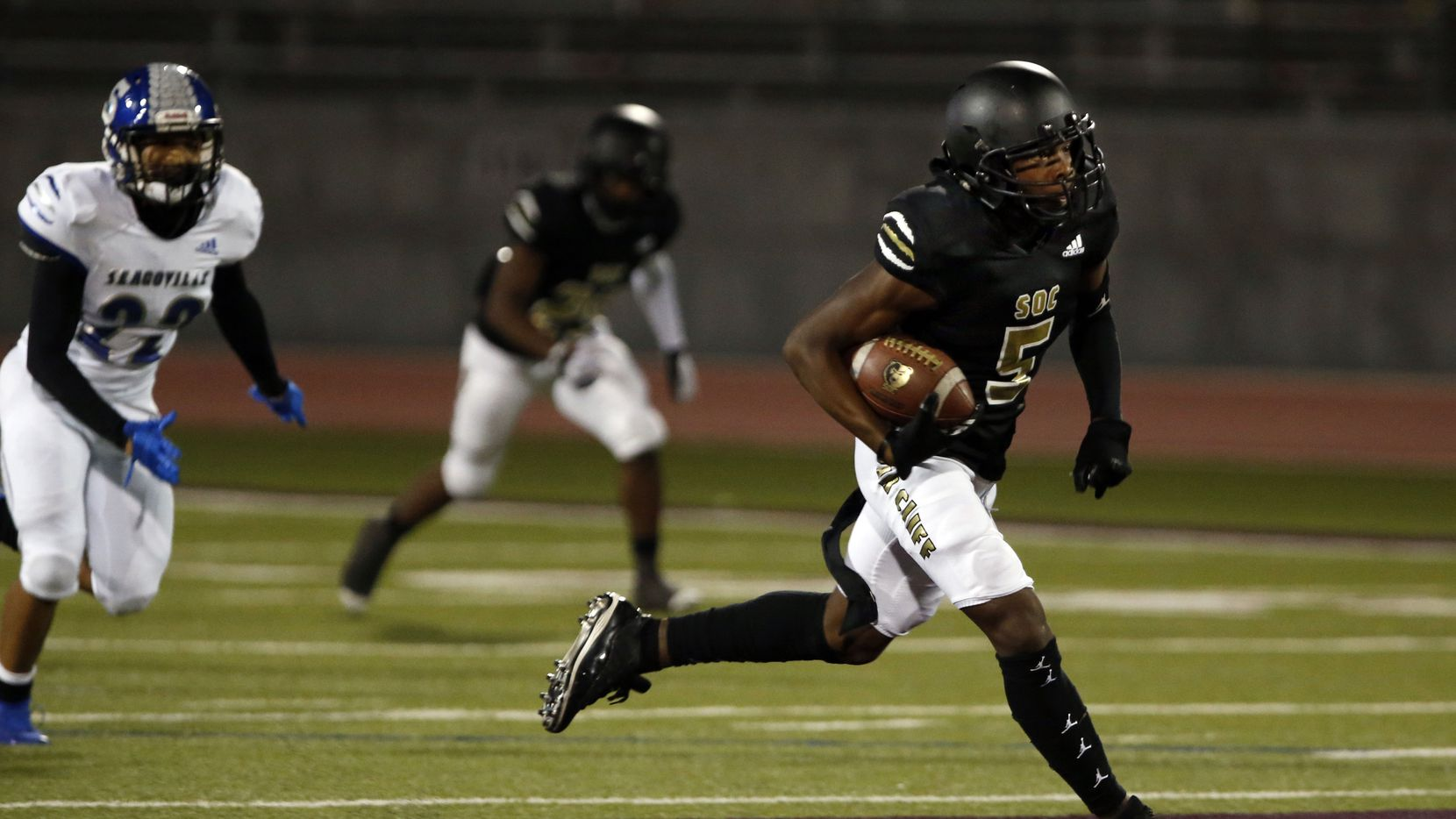 South Oak Cliff's Randy Reece (5) runs for a touchdown during the first half of high school football game between against Seagoville at Kincaide Stadium in Dallas on Thursday, November 12, 2020.