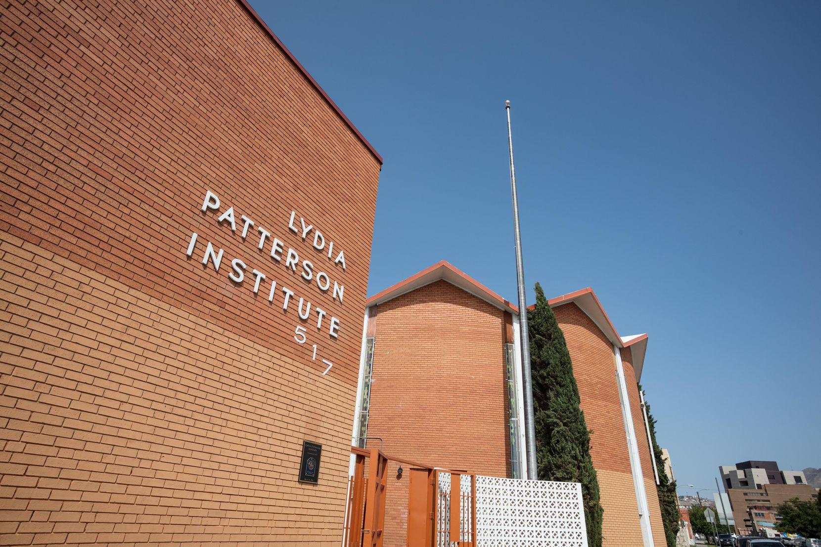 La escuela Lydia Patterson Institute empezó a educar jóvenes de ambos lados de la frontera en 1913.