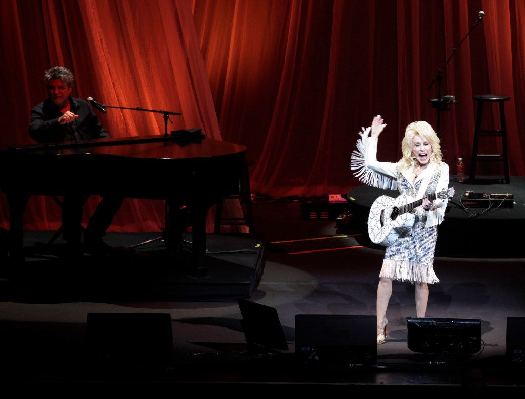 Dolly Parton performs at Verizon Theatre in Grand Prairie, TX, on Dec. 3, 2016. (Jason Janik/Special Contributor)