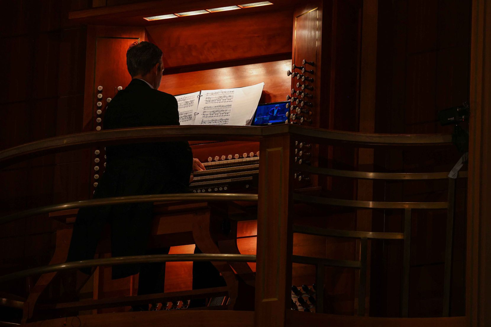 Organist Bradley Hunter Welch performs the Aaron Copland Organ Symphony, with the Dallas Symphony Orchestra.