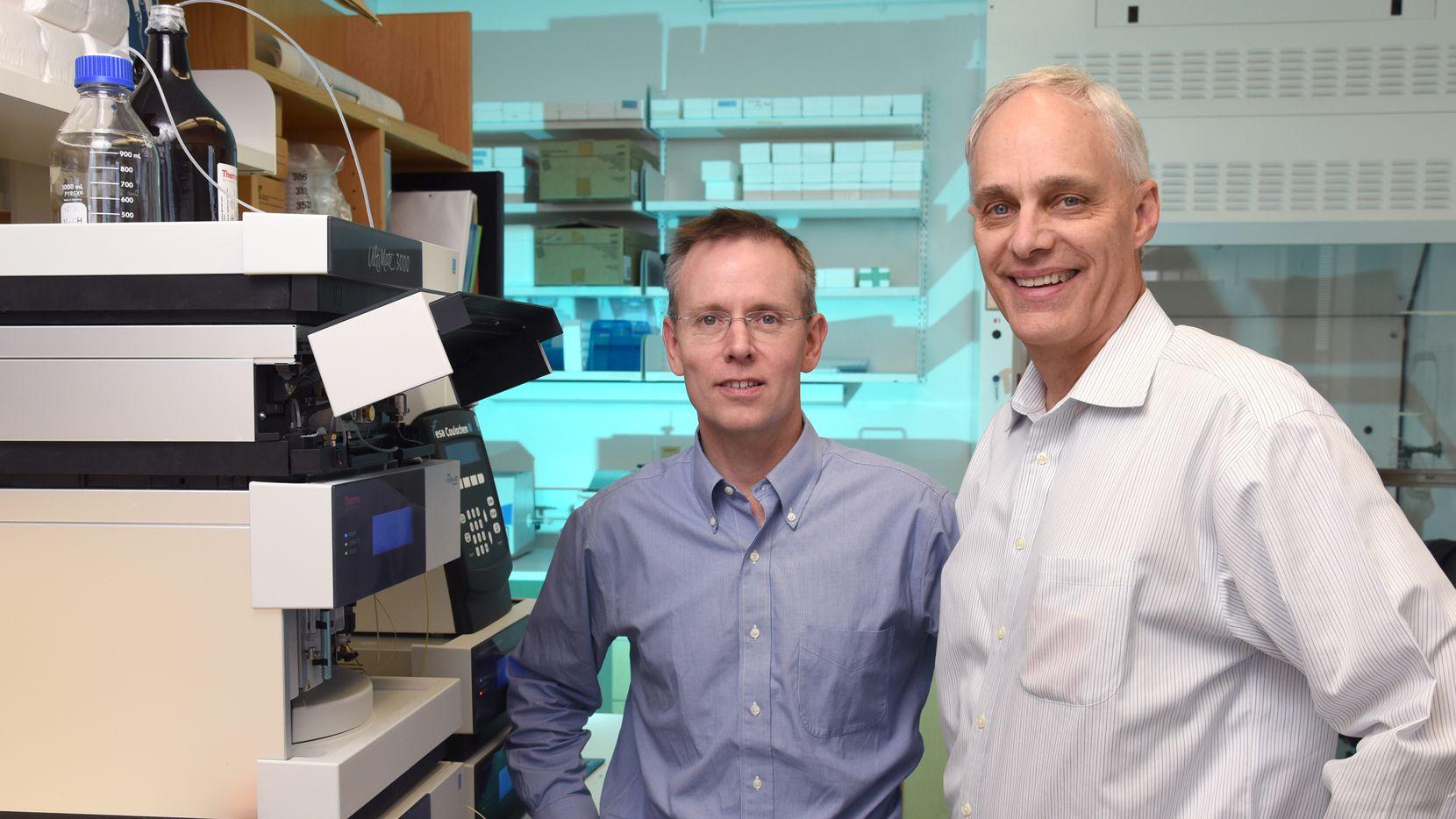 Dr. Steven Kliewer (left) and Dr. David Mangelsdorf in their lab at the UT Southwestern Medical Center.