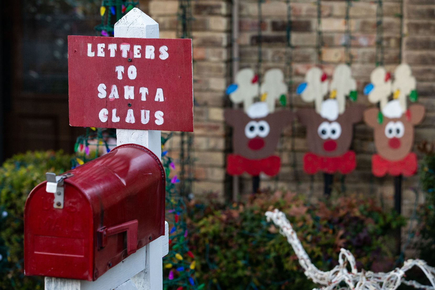 """Linda and Jim Shultz expect more than 100 letters this year in what Linda calls """"our direct pipeline to the North Pole."""" Most come from Lake Highlands children but others are from as far away as Lakewood or west of the North Dallas Tollway."""