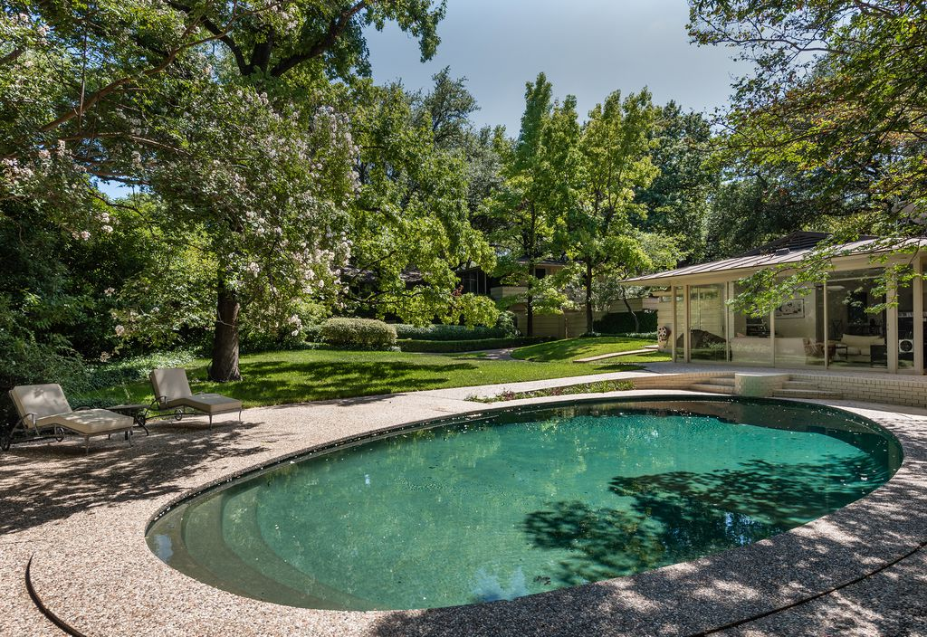 A look at the property at 5315 Rock Cliff Drive in Dallas.