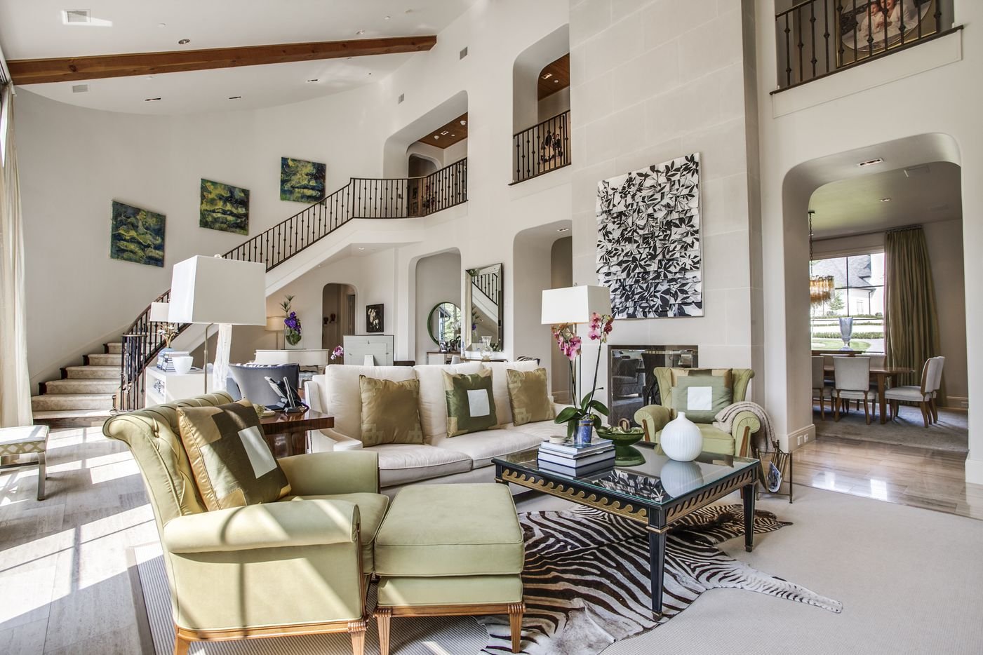 Take a look at the interior of the home at 25 Glen Abbey Drive in Dallas, TX.