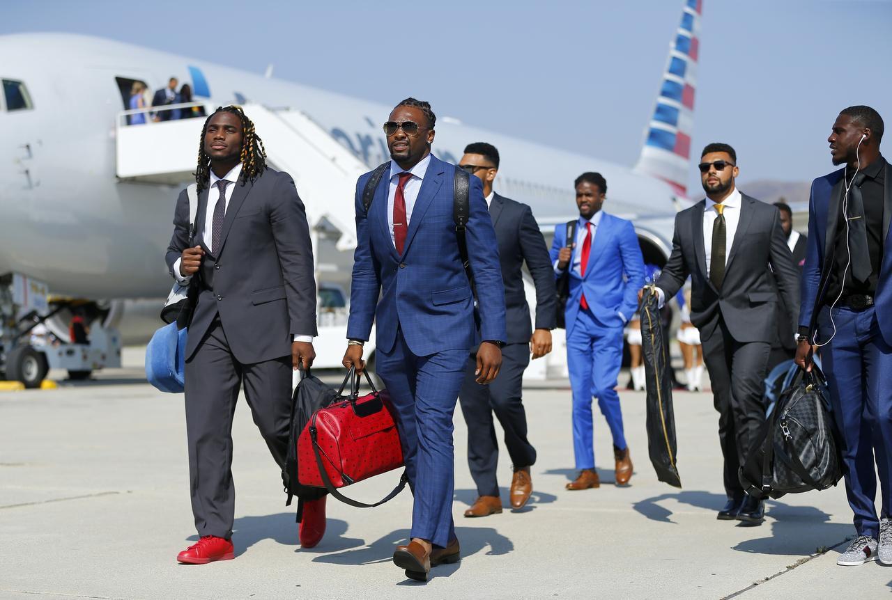 El equipo de los Dallas Cowboys a su llegada a California. (DMN/Tom Fox)