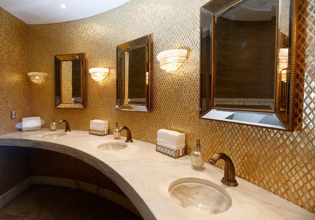 The women's restroom at Dee Lincoln Prime in Frisco, Texas on Thursday, March 21, 2019. (Rose Baca/Staff Photographer)
