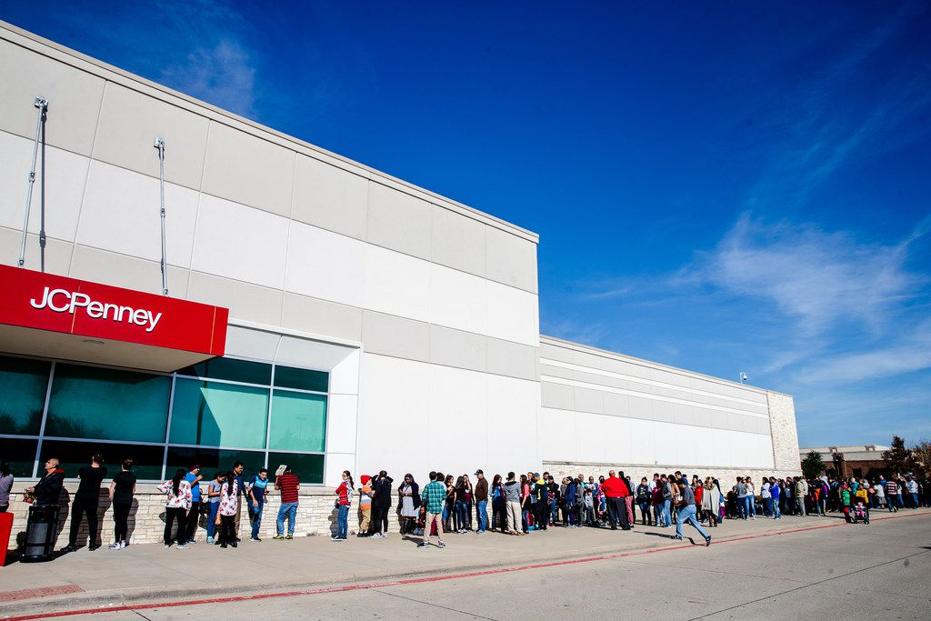 Shoppers line up outside J.C. Penney for Thanksgiving Day shopping in Fairview.