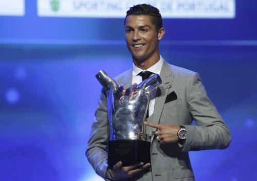 Cristiano Ronaldo ganó por tercera vez el premio al mejor jugador de Europa. Foto AP