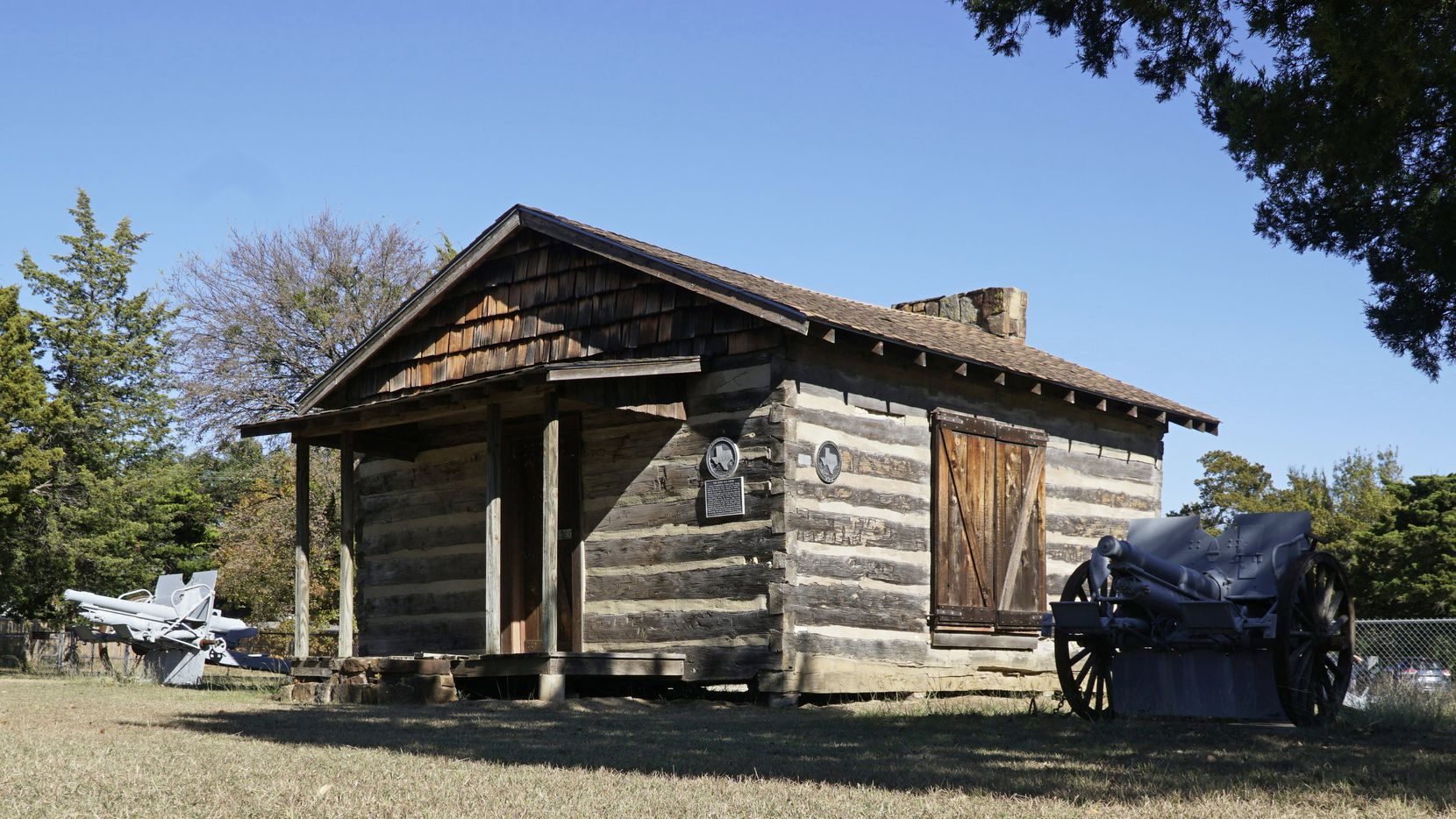 Hord Cabin at the American Legion Post on Cockrell Hill in Dallas, Texas on Wednesday, November 25, 2020.  (Lawrence Jenkins/Special Contributor)
