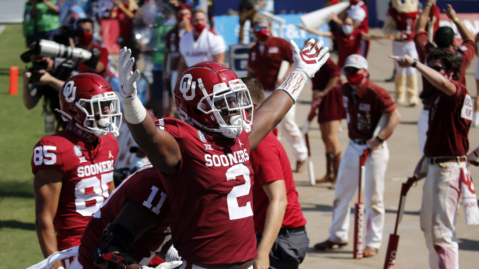 The Oklahoma Sooners defense celebrates Oklahoma Sooners linebacker David Ugwoegbu's (2) second quarter blocked punt in the Red River Rivalry at the Cotton Bowl in Dallas, Saturday, October 10, 2020. Oklahoma won in quadruple overtime, 53-45.