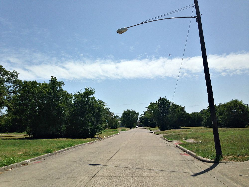 Jeffries Street in South Dallas. Nice streets. Because there's no reason to drive on them.