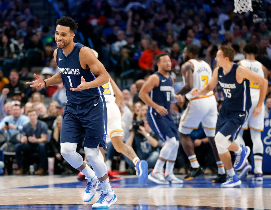 Dallas Mavericks guard Courtney Lee (1) shrugs his shoulders after hitting a three-pointer during the fourth quarter against the Golden State Warriors at the American Airlines Center in Dallas, Wednesday, November 20, 2019.