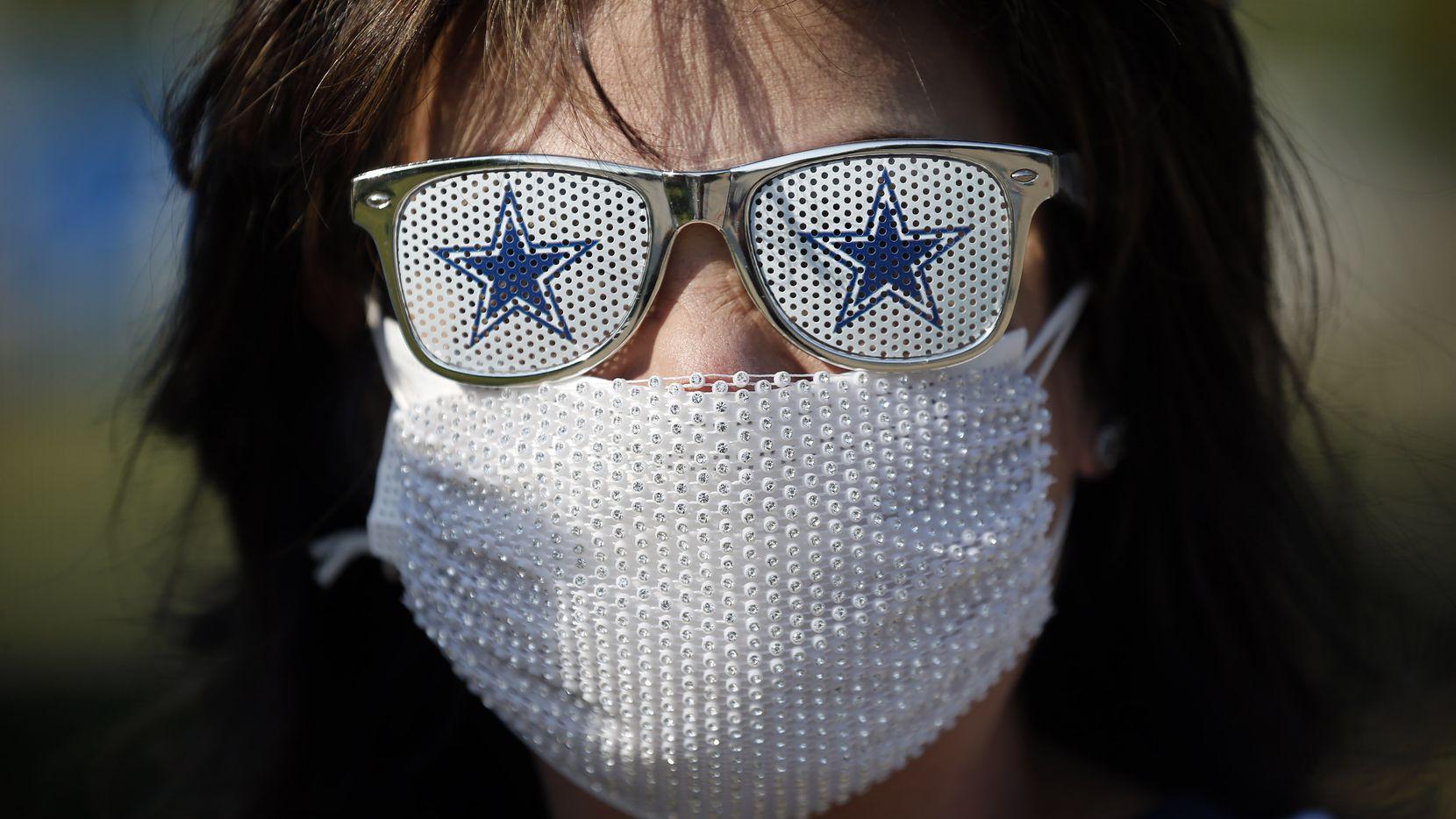 Fanáticos con cubrebocas en los estadios y arenas deportivas fueron parte de las tristes escenas que se vieron en el 2020 por la pandemia de coronavirus.