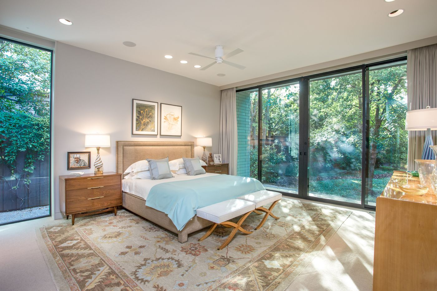A look at the property at 4603 Bluffview Boulevard in Dallas.