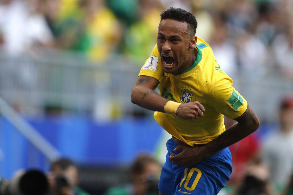 Neymar tuvo un enfrentamiento con el novio de su madre, quien es mucho más joven que ella.
