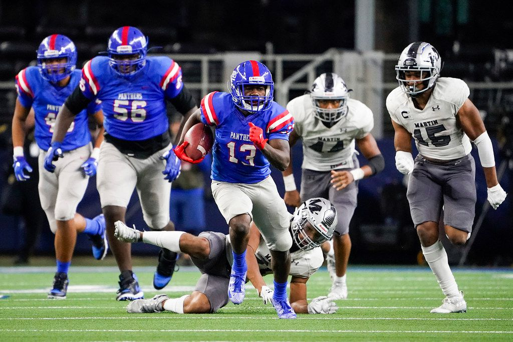 Duncanville wide receiver Roderick Daniels breaks away from the Arlington Martin defense on a 66 yard run during the second half of a Class 6A Division I Region I semifinal playoff football game at AT&T Stadium non Friday, Nov. 29, 2019, in Arlington. (Smiley N. Pool/The Dallas Morning News)