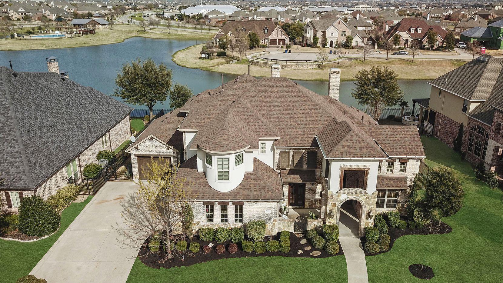 Comprar casa en Frisco es considerado una buena inversión por el sitio Wallet Hub.