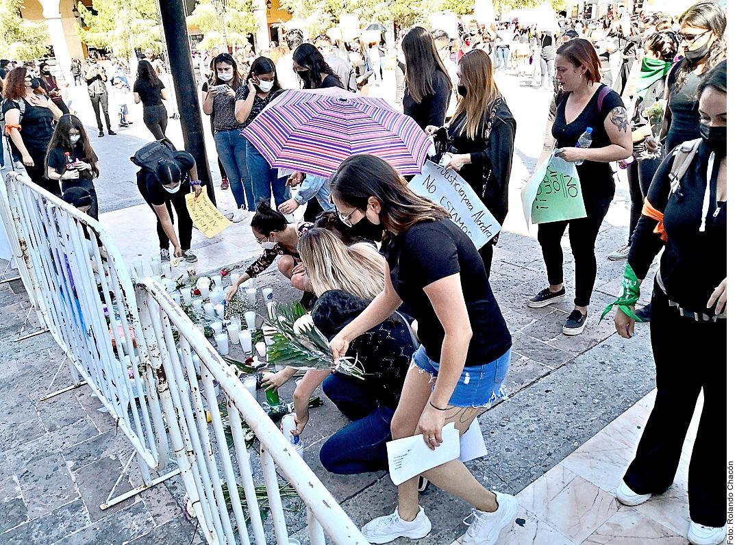 Hubo manifestaciones en Saltillo el domingo por el asesinato de Alondra Gallegos García, de 20 años.