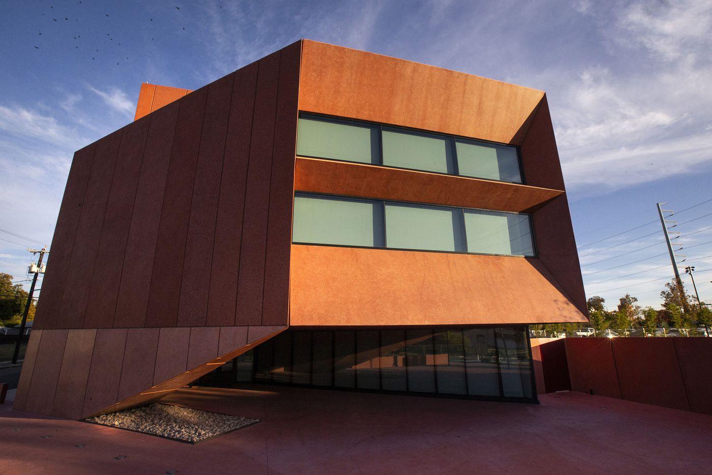 The main entrance facade of the Ruby City art center in San Antonio, Texas.