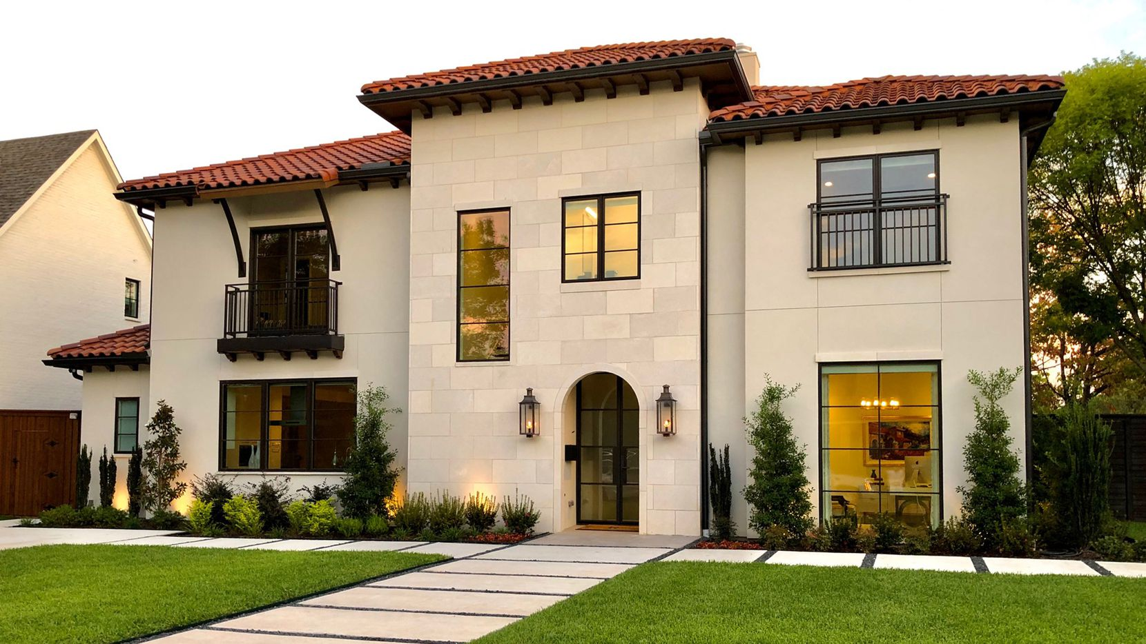 S&R Development recently completed this Preston Hollow corner-lot home three months ahead of schedule and within budget .