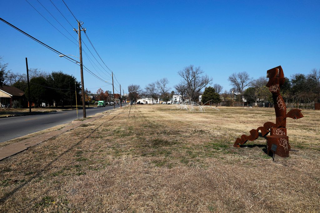 A Dallas developer wants to develop the north side in the 2100 block of Henderson Avenue from Glencoe Street to McMillan Street in the near future. Photo taken on Dec. 14, 2017. (David Woo/The Dallas Morning News)