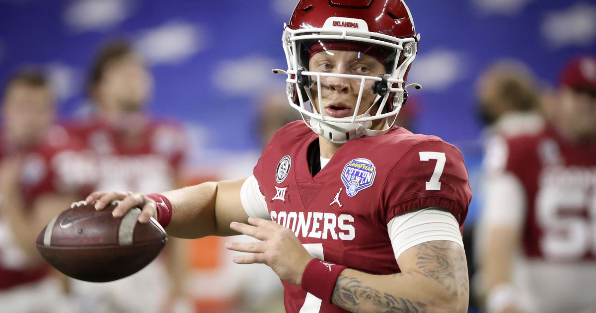 Oklahoma QB Spencer Rattler going No. 1 overall in 2022 mock drafts