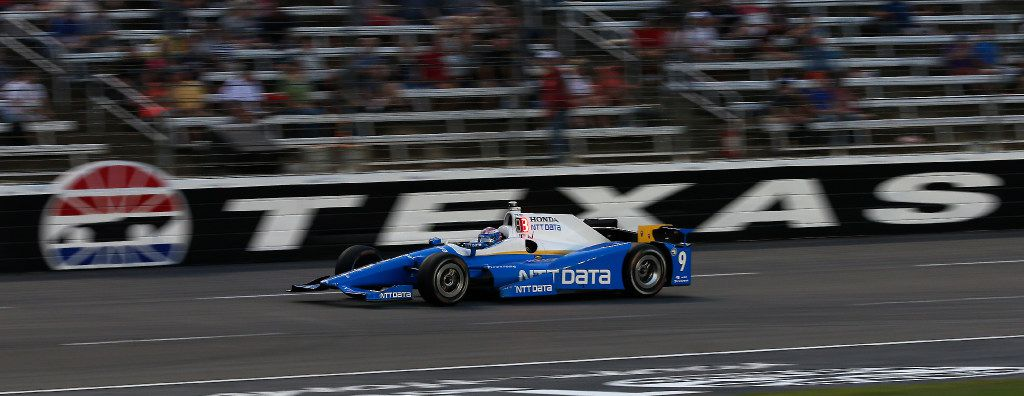 Scott Dixon (9) races during the Rainguard Water Sealers 600 race at Texas Motor Speedway in Fort Worth, Texas, Saturday, June 10, 2017. (Jae S. Lee/The Dallas Morning News)