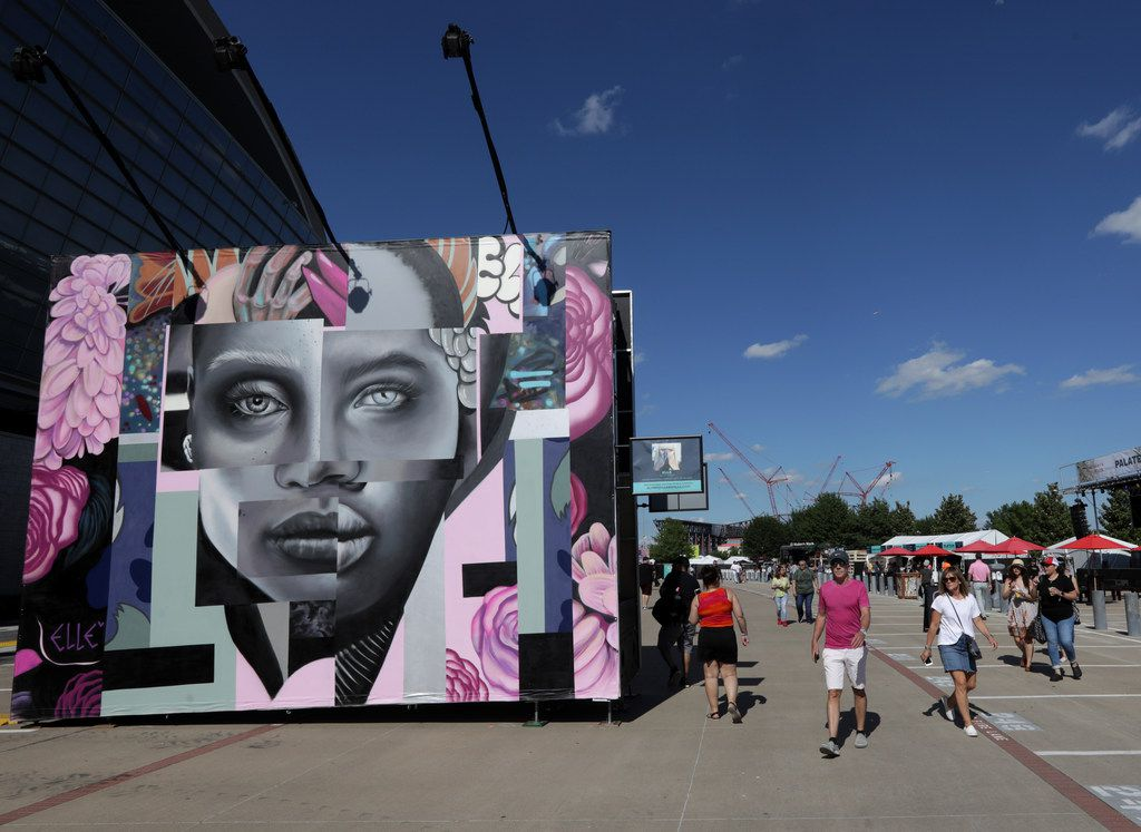 Even if the crowds weren't huge, the art was during Kaaboo Texas at AT&T Stadium in Arlington on May 12, 2019.