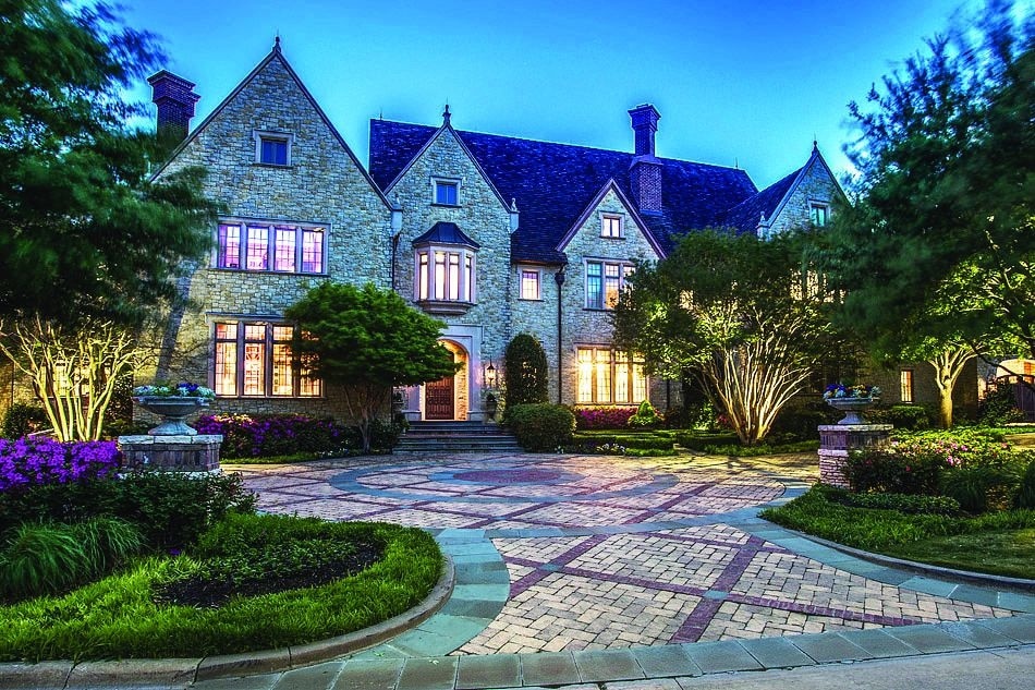 The European-inspired estate at 25 Braewood Place – built by Bob Thompson and designed by Robbie Fusch – is listed at $6,750,000.