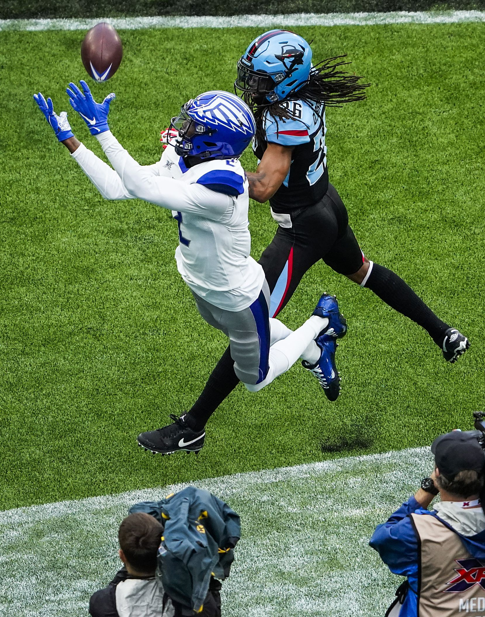St. Louis Battlehawks wide receiver L'Damian Washington (2) canÕt make the catch on an extra point attempt as Dallas Renegades cornerback Donatello Brown (26) defend during the first half of an XFL football game at Globe Life Park on Sunday, Feb. 9, 2020, in Arlington.