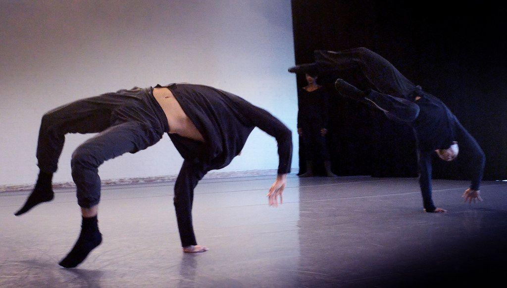 Bruce Wood Dance rehearses Yin Yue's Begin Again.