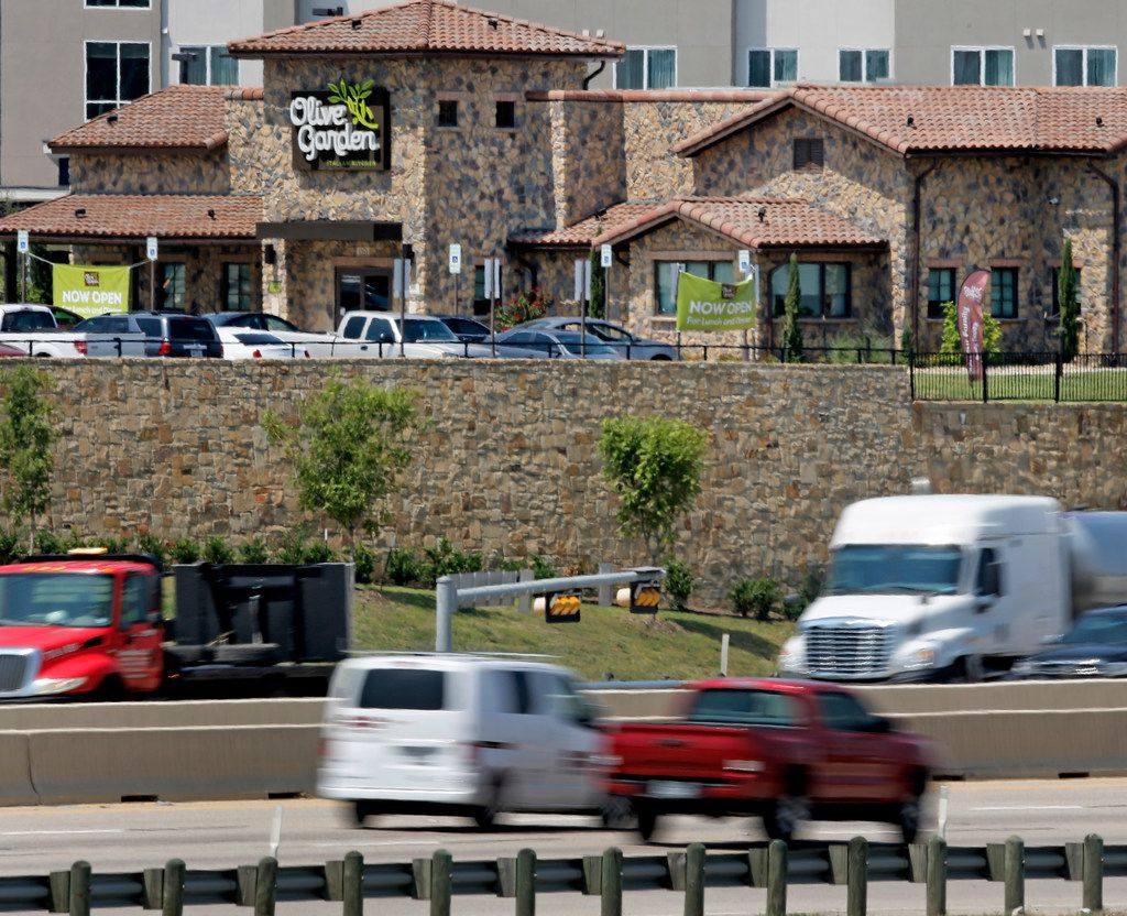 An Olive Garden restaurant has opened at the interesection of Westmoreland and Interstate 30 in Dallas, photographed on Thursday, August 2, 2018.