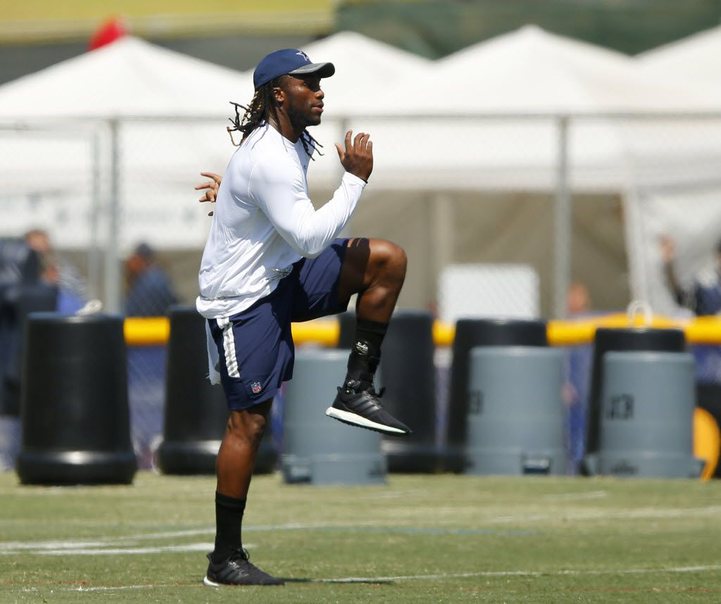 Injured Dallas Cowboys rookie outside linebacker Jaylon Smith works out during morning practice at training camp in Oxnard, California, Thursday, August 11, 2016. (Tom Fox/The Dallas Morning News)