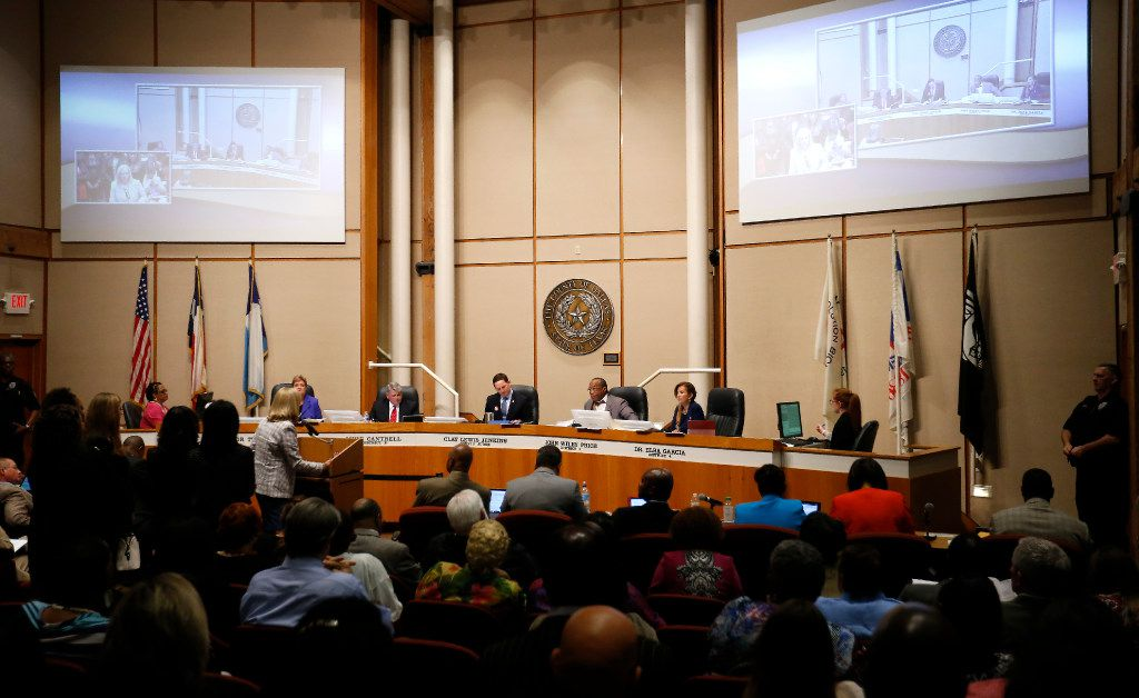 The Dallas County Commissioners Court meeting is held at the administration building in Dallas, Tuesday, May 2, 2017.