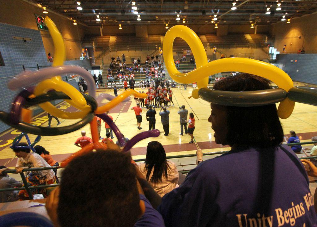"""Project Unity organiza """"Together We Ball"""", un evento de baloncesto comunitario en el complejo atlético P.C. Cobb este fin de semana."""