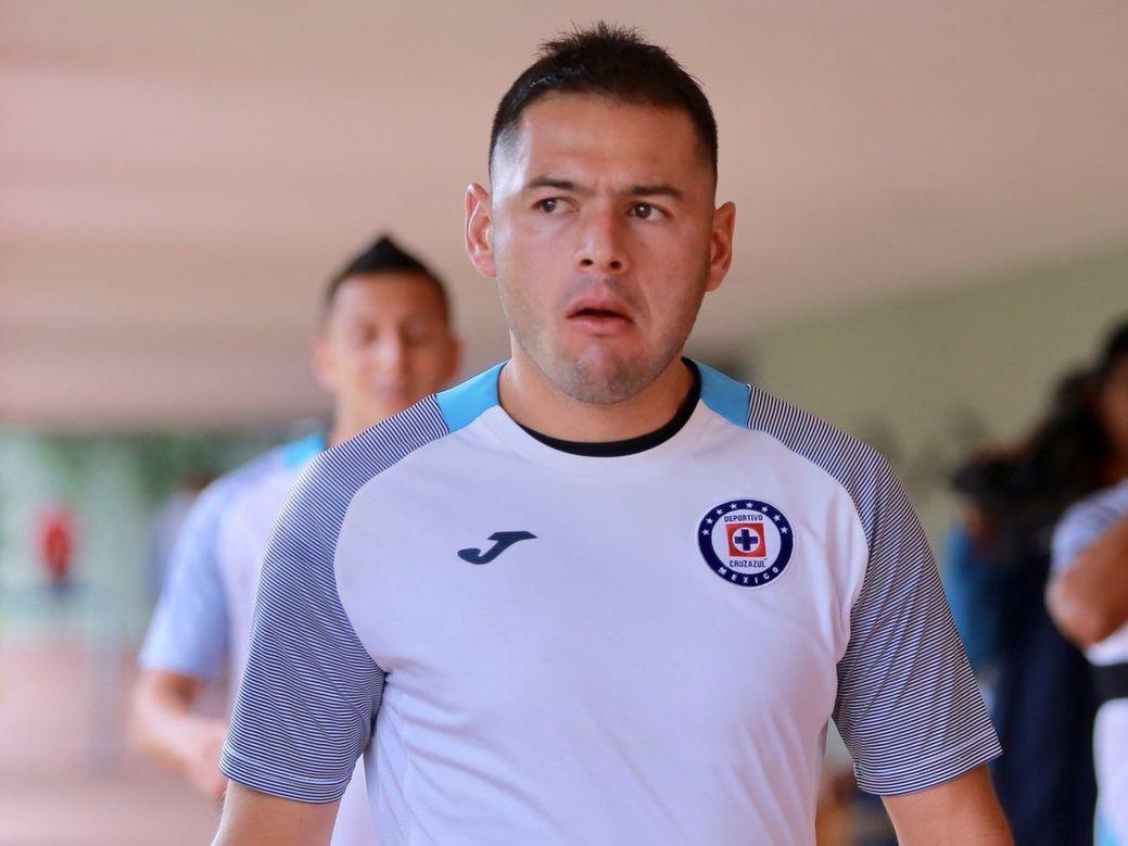 El defensa central paraguayo Pablo Aguilar sueña con ganar el título de la Liga MX con el Cruz Azul.