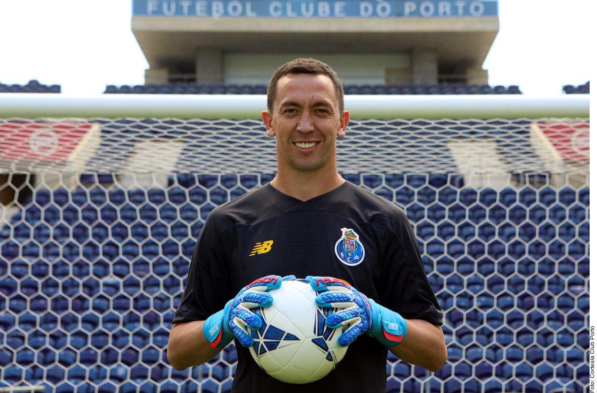 El Porto presentó de manera oficial al portero argentino Agustín Marchesín.