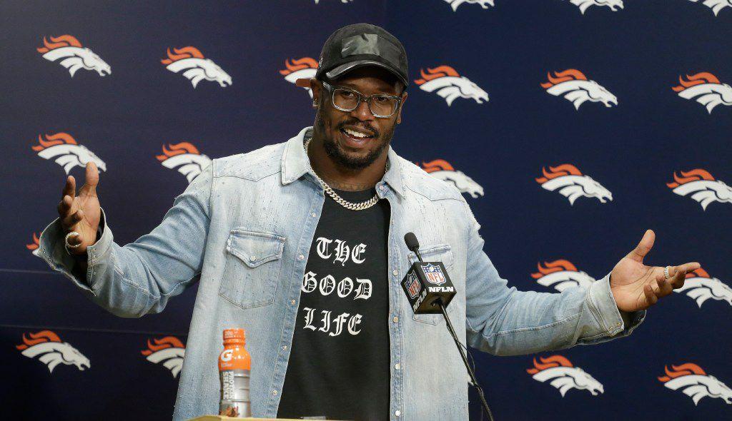 Von Miller pledges allegiance to Broncos