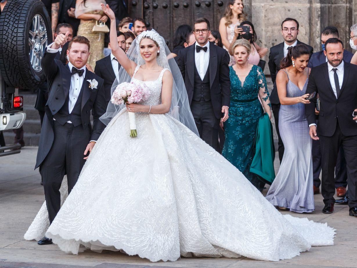 Sául 'Canelo' Álvarez y Fernanda Gómez se casaron el sábado 22 de mayo en la  Catedral de Guadalajara.