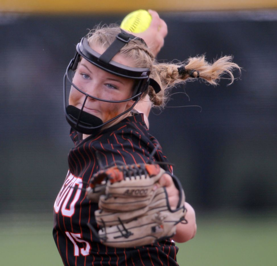Aledo pitcher Kayleigh Smith (15) delivers a pitch to a Georgetown batter during the bottom of the 4th inning of play. The two teams played their UIL 5A state softball semifinal game at Leander Glenn High School in Leander on June 4, 2021. (Steve Hamm/ Special Contributor)